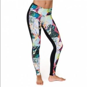 ONZIE two toned patterned leggings size: S/M