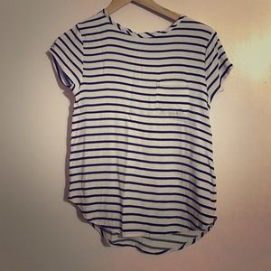 Cute blue/white striped top with pocket