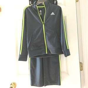 ADIDAS BOYS TRACK SUIT! LIKE NEW CONDITION!