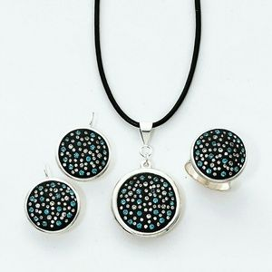 Jewelry - Handcrafted Swarovski Crystal & Clay Pendant Set