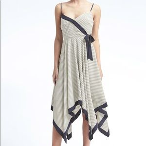NWT💥Beautiful Banana Republic Print Strappy Dress