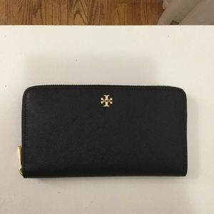 Tory Burch Black Robinson Wallet