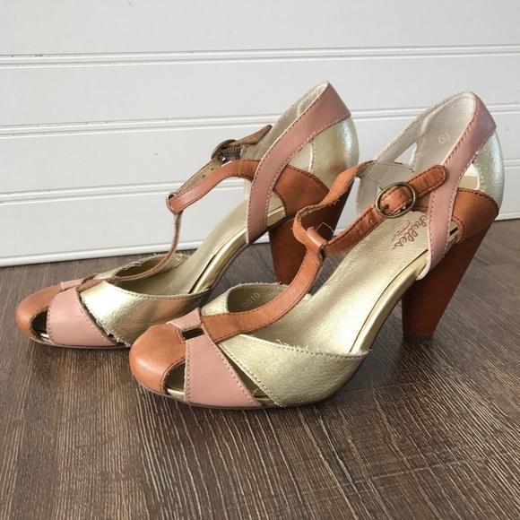 Seychelles Tan Gold Pink T Strap Heels 6 5
