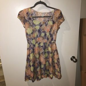 UNIQUE Tea & Cup Floral Lace Dress