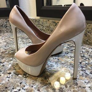 (FINAL 1 HR SALE PRICE) ALDO peep toe pump