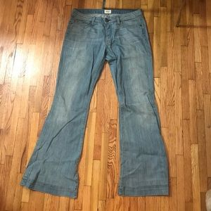 Hudson Jeans light wash low rise stretch flare