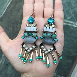 Jewelry - 💓NEW💓 Gorgeous Beaded Dangle Statement Earrings
