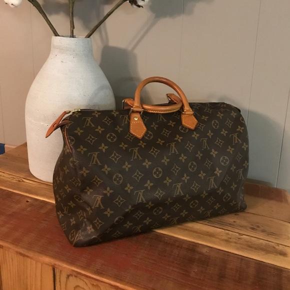8cb0a45e4b Louis Vuitton Handbags - Louis Vuitton Speedy 40