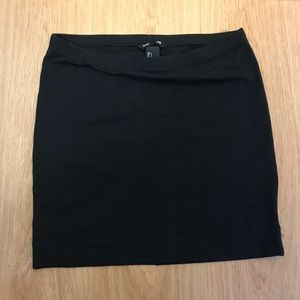 H&M GUC Mini Skirt 🖤🎉