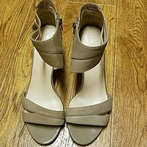 Nine West ladies heels size 7 1/2