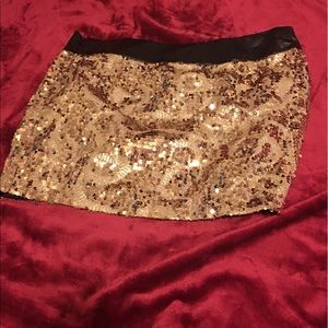 Dresses & Skirts - Gold and silver skirts