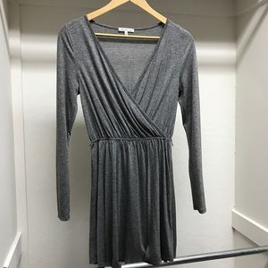 Dresses & Skirts - Grey long sleeves dress