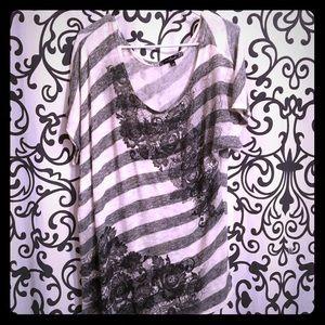 Tops - Vintage blouse very pretty 🌺NWOT🌺