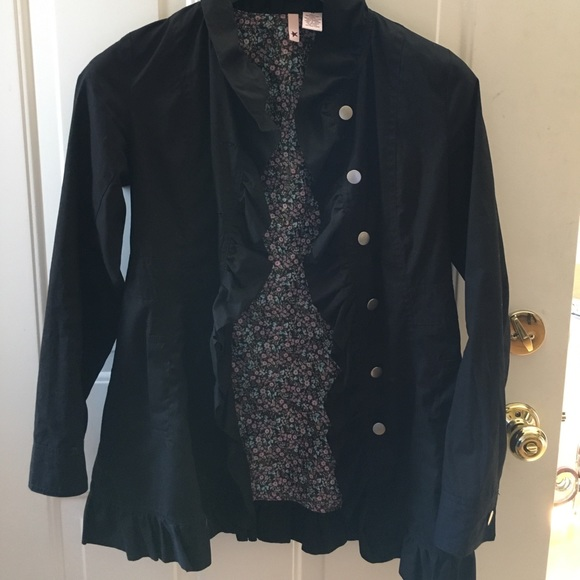 Jackets & Blazers - Adorable ruffle trimmed jacket!