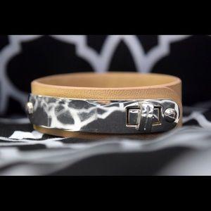 Jewelry - (Buckled) Bracelet