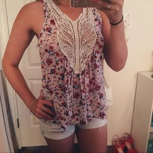 Floral Tank Top w/ Lace Opening Size S