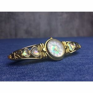 ❤️ MOTHER OF PEARL HEART DETAIL VINTAGE WATCH!!!
