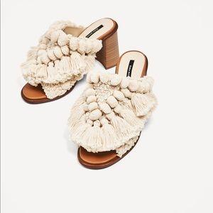 Zara Pom Pom Mules / Slides sz 9