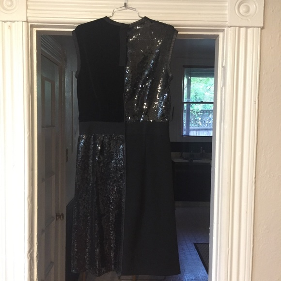 Marc Jacobs Dresses - Marc Jacobs sequin velvet black dress 4/M