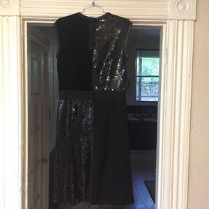 Marc Jacobs Dresses - Marc Jacobs sequin velvet black dress 4/M