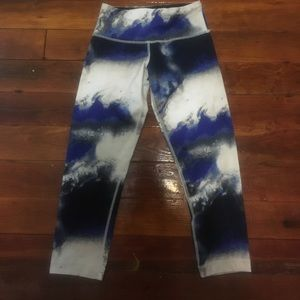 Rare lululemon cropped leggings