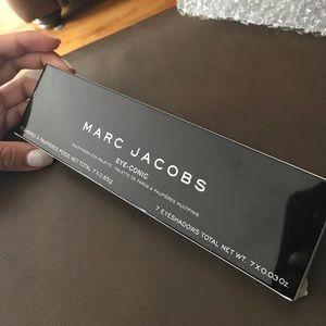 Marc Jacobs eye-conic