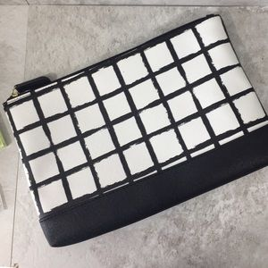 🔸Donated Merona black and white large makeup bag
