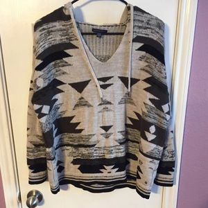 AEO tribal print hooded sweater sz M