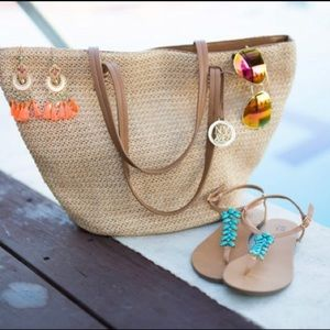 Woven straw bag tote