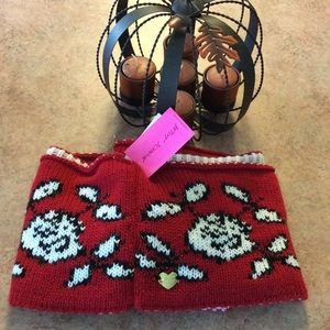 NWT Betsey Johnson infinity scarf
