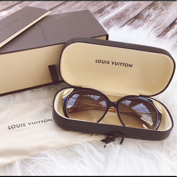 37ec7340b70e4 Louis Vuitton Accessories - Louis Vuitton Amber sunglasses