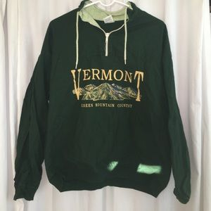 Sweaters - VINTAGE Green Vermont Pullover Hoodie