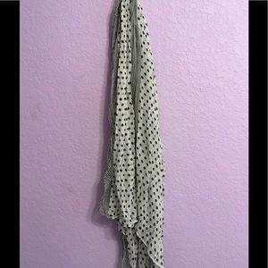 Light fashion scarf