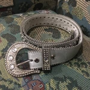 Accessories - Platinum Stud & Rhinestones Belt Beauty🌹