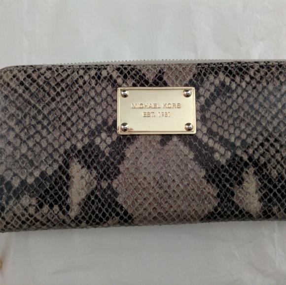 c0476c75e69e MICHAEL Michael Kors Bags