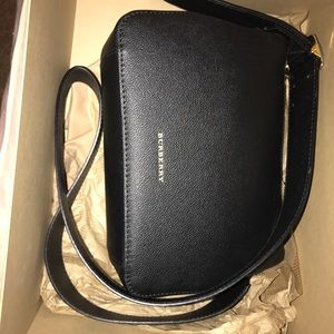 Burberry shoulder bag ~black~ Reserved