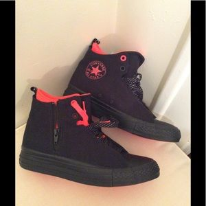 7863a83a438a Converse Shoes - NEW Chuck Taylor