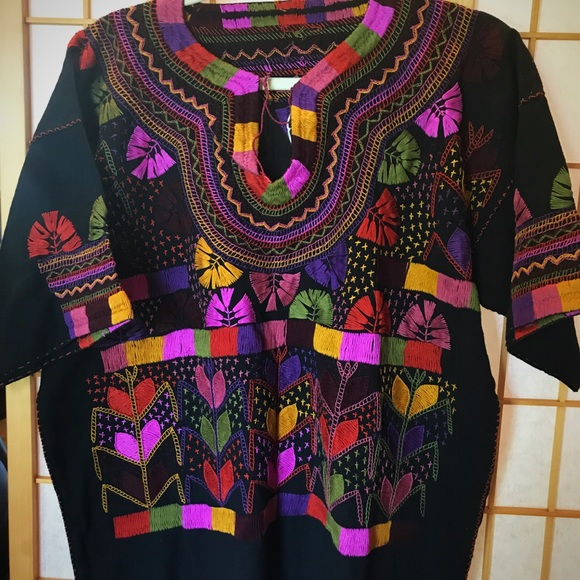 b9e66be4c7671 New Mexican Handmade Embroidered Blouse Chiapas