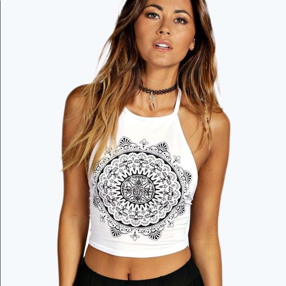4b065f13efc395 Mandala Crop Top