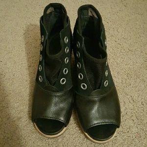 Sorel open toed wedges