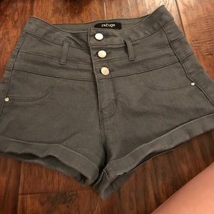 Pants - Grey shorts