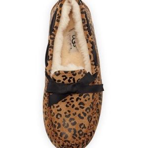 7c6b76bcbee UGG Shoes - UGG Dakota Leopard Print Bow Slipper