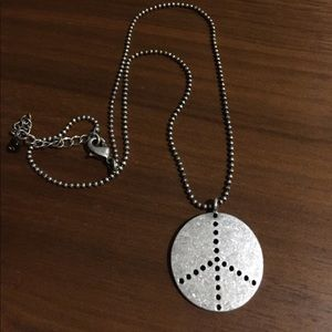 Jewelry - Peace ✌️ sign necklace
