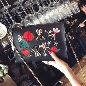 Handbags - 🐝🌹embroidered black bag🌹🐝