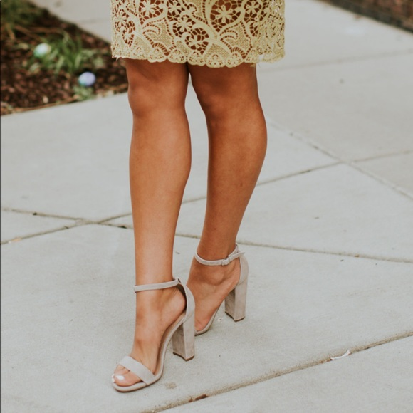 a4ddc1bdc95 Steve Madden Carrson. Taupe chunky heels