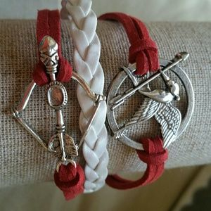 Jewelry - Hunger games, mocking Jay bracelet. Red and white.