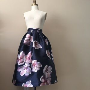 Chicwish navy floral tea length skirt size s