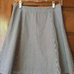 Adorable Loft Navy/White Skirt!!