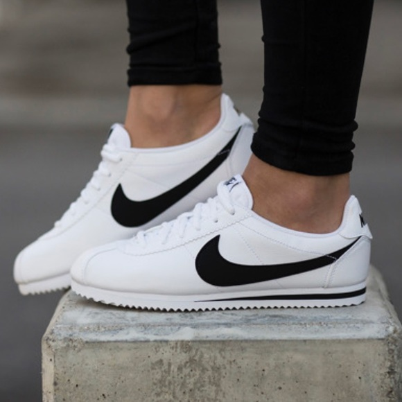 NEW 😍 NIKE CORTEZ CLASSIC BLACK \u0026 WHITE LEATHER NWT