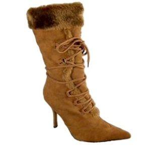 Shoes - 💥💥🔥🔥💥💥Lace up faux fur boots.